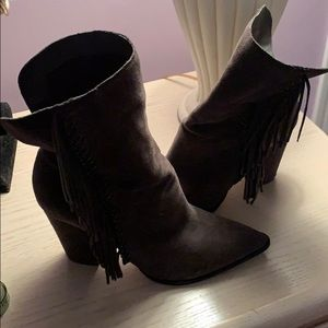 Dolce Vita Gray Suede fringe bootie size 9 1/2